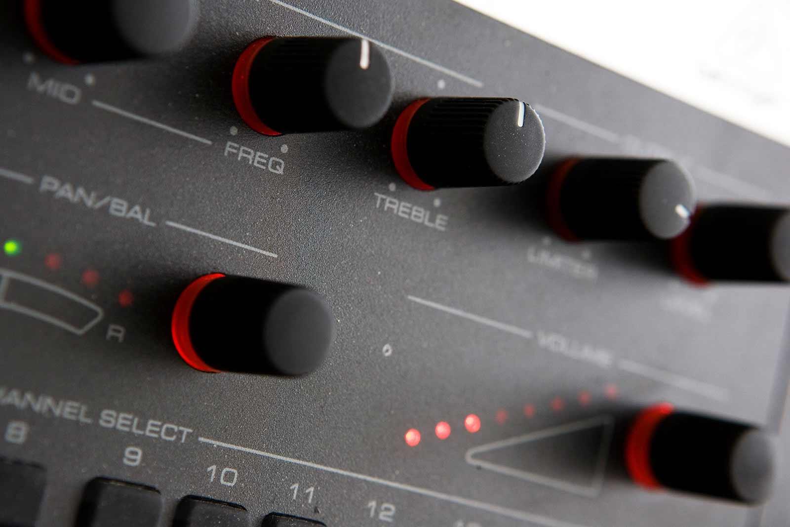 Headphone-Mixer-Q25-1.jpg